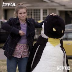 This is one of my favorites parts pf atypical. Shows On Netflix, Netflix Series, Series Movies, Tv Series, Watch Netflix, Orphan Black, Grey's Anatomy, Movies Showing, Movies And Tv Shows