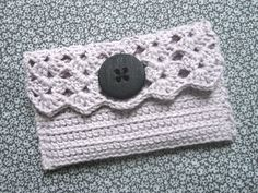 Crochet clutch with oversize button