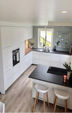 59 fresh different ways to paint kitchen cabinets 24 Contemporary Kitchen Cabinets Fresh Kitchen Paint ways Kitchen Room Design, Modern Kitchen Design, Home Decor Kitchen, Interior Design Kitchen, Kitchen Furniture, Home Kitchens, Kitchen Ideas, Kitchen Inspiration, Diy Kitchen