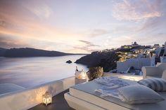 Kirini Suites & Spa, Boutique Hotel and Gourmet restaurant on the seafront Santorini – Relais & Châteaux