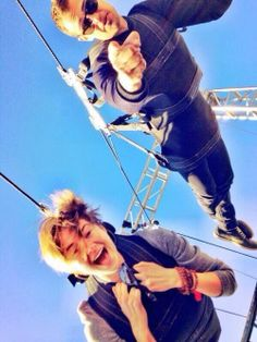 Shailene Woodley & Theo James. He has to be super cool EVER WHEN HE'S FALLING FROM A FERRIS WHEEL!!!!!!!