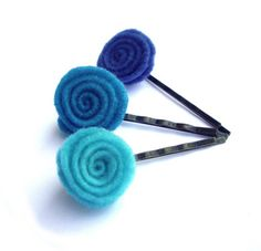 Felt Hair pins light turquoise turquoise blue flower by JPwithLove