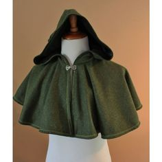 Green Wool Elven Archer Cape Capelet Tudor Medieval Forest Renaissance... ❤ liked on Polyvore featuring wool capelet