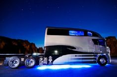 Ultimate Recreational Vehicle Made From Freightliner Argosy | Cool Stuff Interesting Stuff News