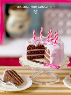 Hummingbird Miniatures: Cake in The Dolls House Magazine!