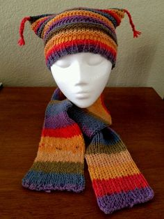 I'd love to try and make this one for Alicia!  Just the hat itself!  A flat bind off of a round loom would do it!