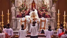 Vatican Liturgy Chief Urges All Priests to Celebrate Mass Ad Orientem