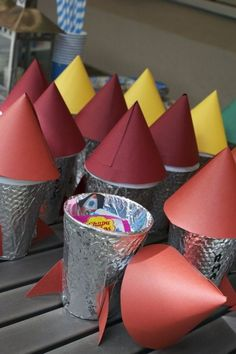Rocket party bags for Astronaut Party or Outer Space Party. Alien Party, Astronaut Party, Rocket Birthday Parties, Birthday Party Themes, Boy Birthday, Circus Birthday, Circus Party, Outer Space Theme, Outer Space Party