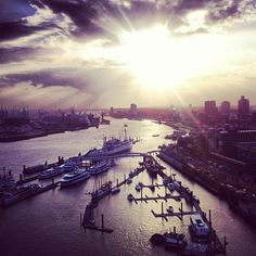 #Hamburger Hafen | weitergepinnt von der #Werbeagentur www.BlickeDeeler.de aus #Hamburg