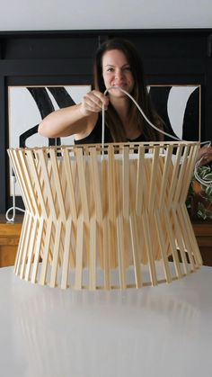Furniture Projects, Furniture Makeover, Wood Projects, Diy Furniture, Diy Crafts For Home Decor, Creation Deco, Ideias Diy, Diy Chandelier, Diy Projects To Try