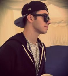 Nathan - he's so hot in that backward hat and sunglasses oh my God!