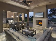 8 New Home Trends This is just gorgeous! A cozy outdoor living space is an absolute MUST The post 8 New Home Trends appeared first on Outdoor Diy. Outdoor Living Rooms, Outside Living, Outside Room, Kitchen Open Concept, Contemporary Patio, Contemporary Design, Outdoor Kitchen Design, Outdoor Kitchens, Patio Design