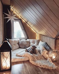 Sweet and Romantic Bedroom Ideas You Would Love To Have; Sweet and Romantic Bedroom Decoration; Sweet and Romantic Bedroom; Sweet and Romantic Bedroom Design;Sweet and Romantic Bedroom Decor; Cute Bedroom Ideas, Cute Room Decor, Trendy Bedroom, Bedroom Romantic, Attic Bedroom Ideas For Teens, Whimsical Bedroom, Bohemian Bedrooms, Romantic Home Decor, Attic Ideas