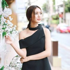 Watch Korean Drama, Lil Black Dress, Ulzzang Girl, Actors, Formal Dresses, Idol, Women, Fashion, Bonito
