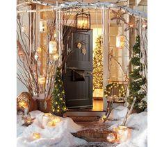 anyonecandecorate:    Adorable Winter Christmas Porch