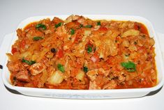 Varza calita cu afumatura Cheese Fruit, Polish Recipes, Polish Food, Fried Rice, Macaroni And Cheese, Side Dishes, Curry, Food And Drink, Cooking Recipes