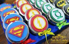 Decoração Super Heróis para o aniversário de 1 ano do Ravi Cata, Avengers, Super Heros, Lucca, Gabriel, Yuri, Superman, Avengers Birthday Parties, Centerpieces