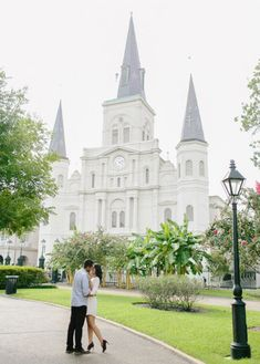 With grand plantations, enchanting gardens and breathtaking architecture, New Orleans can provide the perfect backdrop to commemorate your engagement.