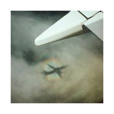 ✈️ #avion #ombre #orage #shadow #flight #airplane #clouds #magic #photography