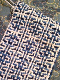 mosaic knitting patterns for hats - Yahoo Image Search Results Slip Stitch Knitting, Knitting Stiches, Knitting Charts, Knitting Patterns Free, Knitting Yarn, Stitch Patterns, Crochet Patterns, Hat Patterns, Knitting Designs