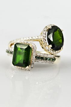 A true rarity, chrome diopside's green hue is completely natural and reminds us of the finest emeralds.
