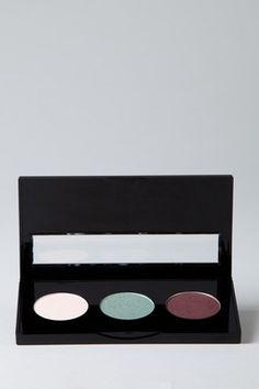 $6 Stila Cosmetics is 50-75% off!!!..Sale!!..Going FAST!! www.hautelook.com/short/3BwjC