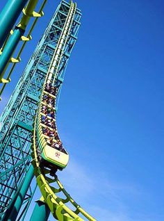 The outdoor amusement park Valleyfair (Shakopee, MN) is one of the most popular Minnesota summer attractions for families.