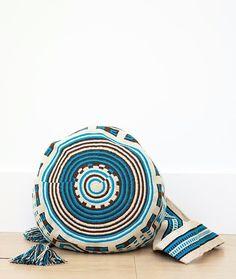 wayuu mochilas bags blue black white