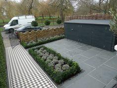 yellow-london-brick-wall-black-and-white-victorian-mosaic-topiary-yorkstone-peckham-bromley-kingston-balham-clapham-1.jpg 2.048×1.536 pixel