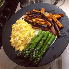June is around the corner.... No more games so portions are coming down.... 4 eggs cooked in grass fed butter (kerry gold) 6oz wild yam baked in coconut oil and asparagus... #bulletproofdiet #health #fitness #fit #TagsForLikes #TFLers #food #fitnessaddict #fitspo #workout #foodpic #cardio #foodie #foodporn #foodphotography #photooftheday #health #healthy #instahealth #healthychoices #active #motivation #instagood #determination #lifestyle #diet #getfit #cleaneating #eatclean #exercise by…