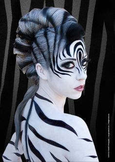 67 Halloween to Try This Year Art Zebra costume zebra makeup ideas - Makeup Ideas Zebra Make-up, Makeup Fx, Doll Makeup, Zebra Costume, Glamour Fashion, Animal Makeup, Tiger Makeup, Lion Makeup, Halloween Karneval