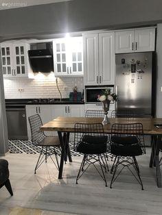 Kitchen White kitchen Kitchen rug Black and white Industrial furniture Wood Yatak odası Kitchen Carpet, Kitchen Mat, Open Kitchen, Kitchen Decor, Kitchen White, Kitchen Living, Kitchen Modern, Living Room, Solid Wood Table