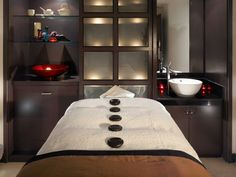 Creating An Indoor Luxury Spa Room At Home Rooms Mage Table And