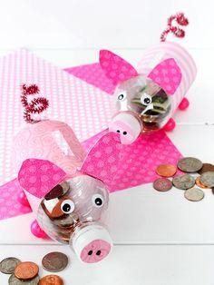 DIY Water Bottle Piggy Banks Craft #money #kids #animalcraft #kidscraft #piggybanks #repurpose #EarthDay #plasticbottle