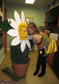 Daisy & Bee Halloween costume ideas for couples
