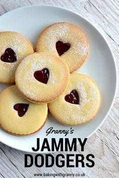 Jammy Dodgers - Baking with Granny