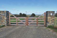 Karaka Deluxe : Wooden Gates Fences driveway gates Wooden gate manufacturers Auckland New Zealand Waiuku Wooden Garden Gate, Wooden Gates, Wooden Driveway Gates, Farm Entrance, Driveway Entrance, Farm Fence, Fence Gate, Yard Fencing, Front Gates