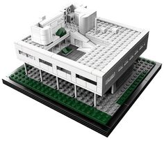 Whether you're a LEGO lover or just a lover of architecture, you've probably come across the LEGO Architecture series of replicas of famous buildings, and their latest one is one of their best – Le Corbusier's Villa Savoye.