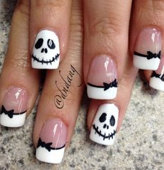 black white skellington french halloween nails latest nail art designs gallerynail designs for short nails easy kiss nail stickers nail art stickers how to apply best nail polish strips 2019 Fancy Nails, Love Nails, Pretty Nails, My Nails, Kiss Nails, Neon Nails, Cute Halloween Nails, Halloween Nail Designs, Halloween Skull