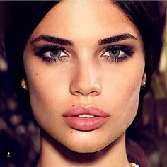 NEW STUNNING INSPIRATION - Girl crush Sara! Via @fashionfrique Picture Sara Sampaio #howtochic #ootd #outfit