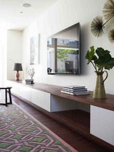 IKEA hacks: 10 easy IKEA furniture conversions, copy now! - Floating IKEA furniture, drawers and wood - Home Living Room, Living Room Decor, Living Spaces, Tv Wall Ideas Living Room, Wall Cabinets Living Room, Living Room Tv Unit, Living Room Storage, Decor Room, Small Living