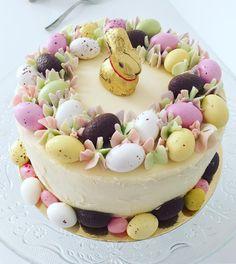 "213 Likes, 3 Comments - Erika Westerlund Strömmer (@erikapika77) on Instagram: ""Dagens påsktårta / Easter Cake  #påsktårta #eastercake #pääsiäiskakku #tårta #cake #kakku #påsk…"""