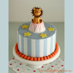 Circus Party - we feature the best circus theme party ideas including ideas for a circus cake and circus themed party supplies for the perfect event! Circus Theme Cakes, Carnival Cakes, Themed Cakes, Carnival Costumes, Bake A Boo, Lion Cakes, Gateaux Cake, Circus Birthday, Birthday Parties