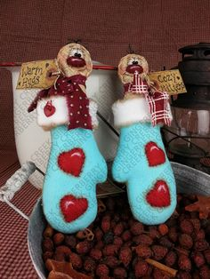 Hey, I found this really awesome Etsy listing at https://www.etsy.com/listing/475035217/e-pattern-cozy-gingerbread-hugs-pattern