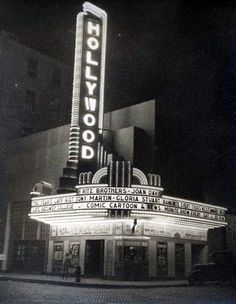Hollywood Theatre in La Crosse, WI Hollywood Theater, Hollywood Hotel, Vintage Hollywood, 1950s Aesthetic, Aesthetic Vintage, Vintage Movie Theater, Vintage Movies, Movie Bedroom, Vintage Tin Signs