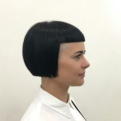 Hair And Beauty Supply V Bangs, Bob Haircut With Bangs, Short Bangs, Bob Haircuts, Undercut Hairstyles, Cool Hairstyles, Modern Hairstyles, Short Hair Cuts For Women, Short Cuts