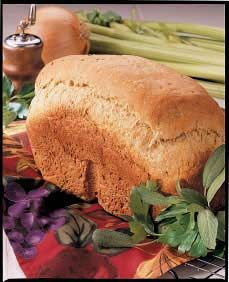 Turkey Stuffing Bread Recipe (bread that tastes like stuffing? Yes please! Pan, panificadoras, máquinas