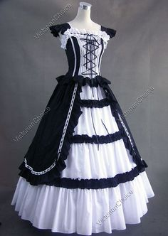 Halloween costumes for women adult southern belle costume Victorian dress Ball Gown Gothic lolita dress plus size custom Gothic Victorian Dresses, Gothic Lolita Dress, Goth Dress, Victorian Costume, Victorian Fashion, Vintage Gothic, Victorian Halloween, Vintage Black, Victorian Era