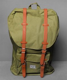 Neu im Shop: Herschel Little America Mid-Volume in Army Oilve/Army Olive - http://www.numelo.com/herschel-little-america-midvolume-p-24513558.html #herschel #littleamericamidvolume #taschen #numelo