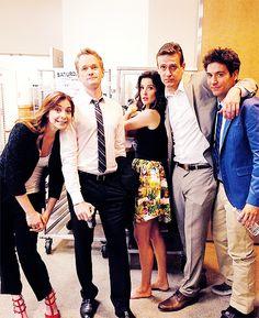 'HIMYM' cast at SDCC 2013. Alyson Hannigan, Neil Patrick Harris, Cobie Smulders, Jason Segel, and Josh Radnor.